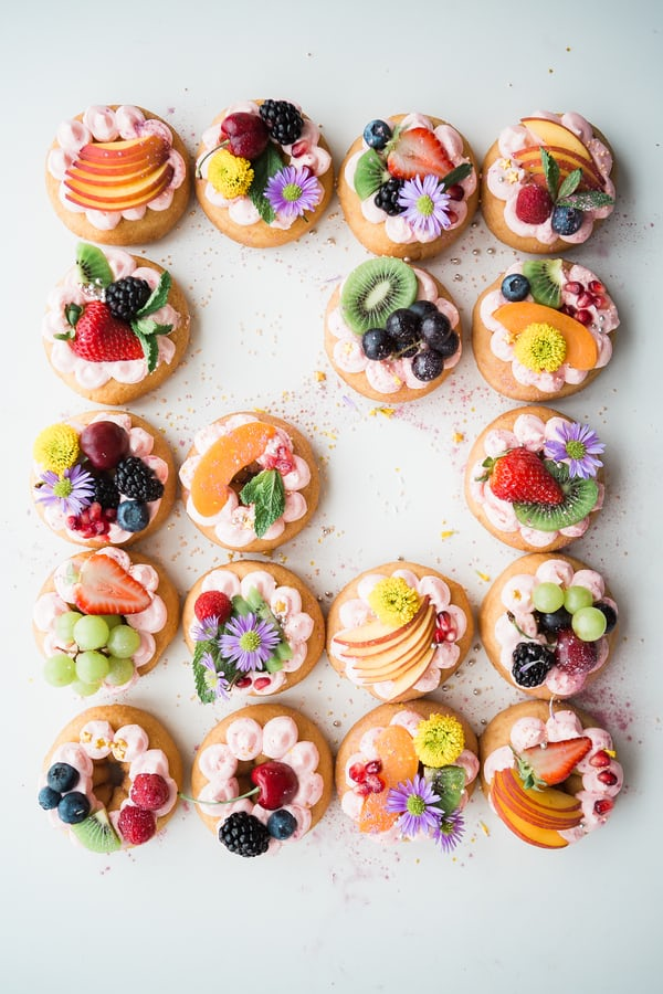 Biscuits and Cookies with Fruit